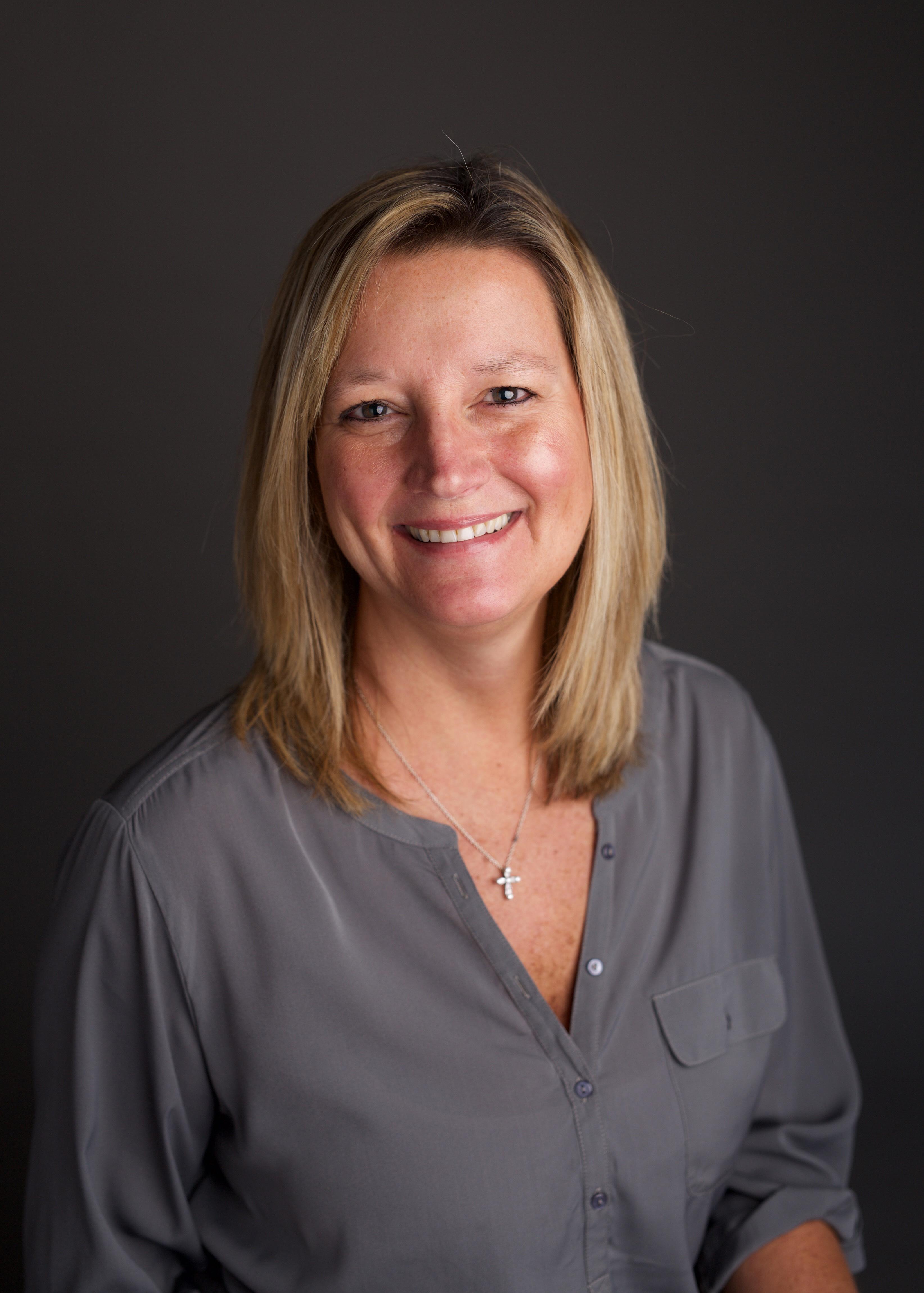 Julie Cummins